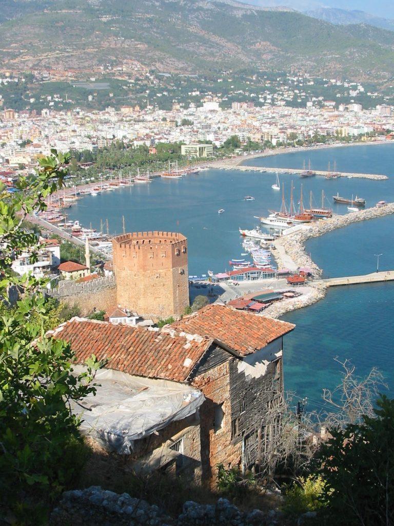 Der Blick von der Burg aufs Meer ist überwältigend
