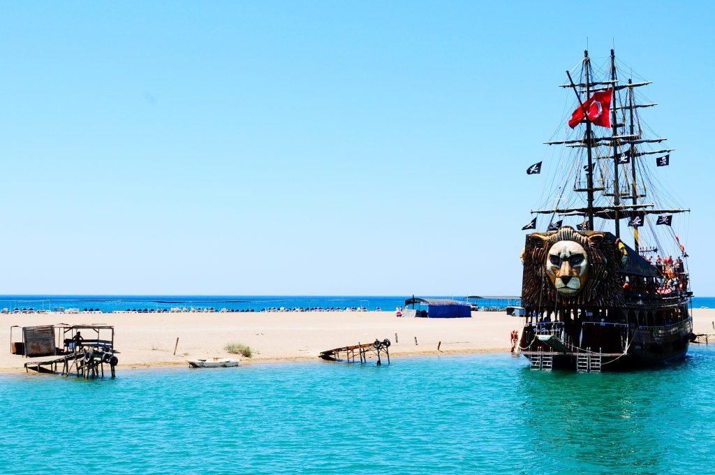 Mit dem Piratenschiff vom Manavgat-Fluss zum Meer. Foto: D.A. Karlsson