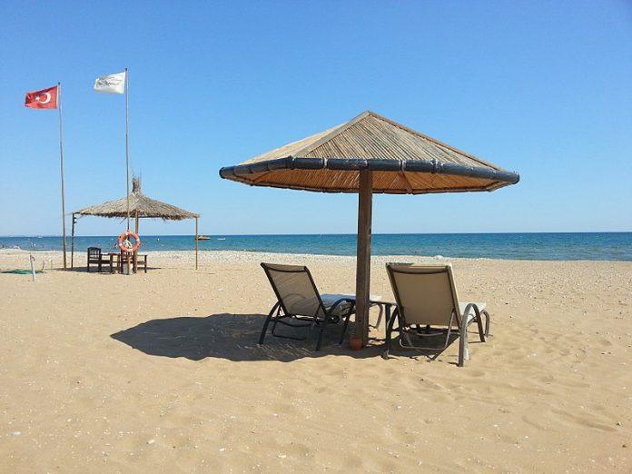 Zehn Kilometer lang und meistens feinsandig ist der Strand von Side und seiner Nachbarorte.